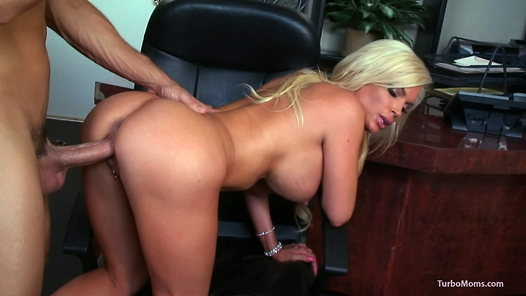 TurboMoms.com - Diamond Foxxx video screenshots - 1 -