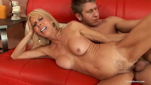 TurboMoms.com - Erica Lauren video screenshots - 1 -