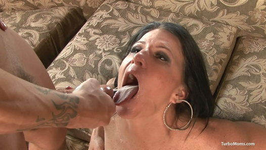 TurboMoms.com - Kendra Secrets video screenshots - 1 -