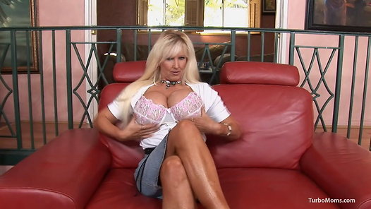 TurboMoms.com - Tia Gunn video screenshots - 1 -